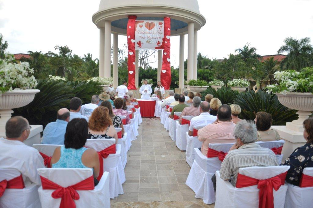 Valentines Day Vow Renewal Ceremony At Dreams Punta Cana Day Dreams