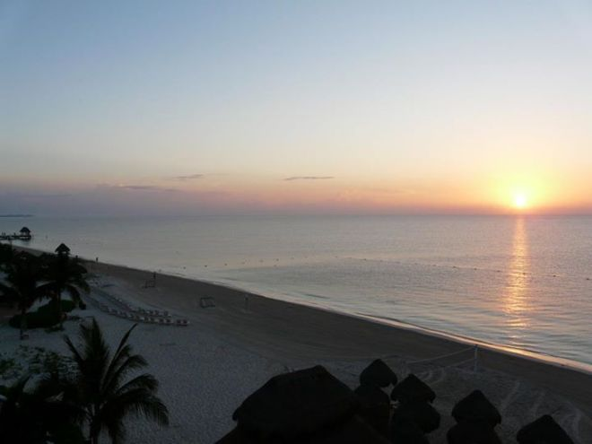 A perfect sunset over the beach at Dreams Riviera Cancun.