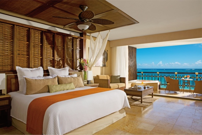 Image of the Honeymoon Suite with a gorgeous ocean view at Dreams Riviera Cancun