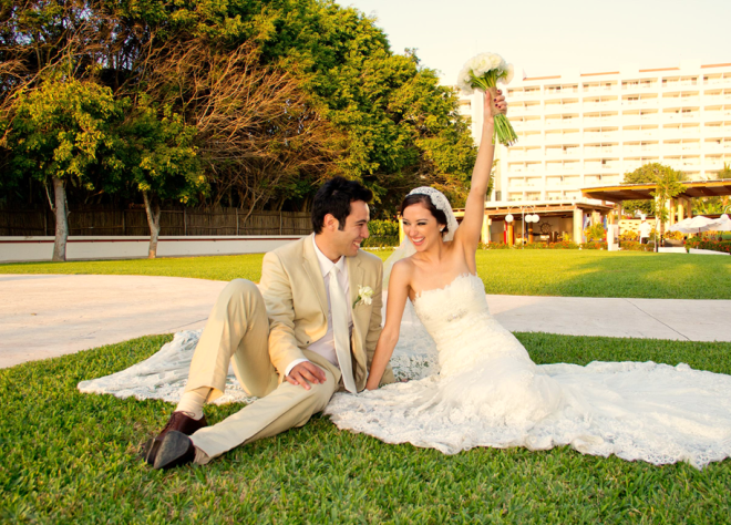 Couple celebrating their special day at Dreams Villamagna Nuevo Vallarta