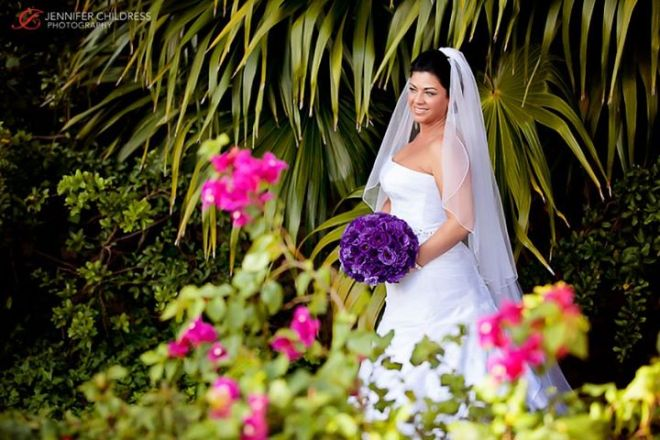 The lush foliage and breathtaking scenery at Dreams Riviera Cancun Resort & Spa are perfect for a wedding photo shoot!
