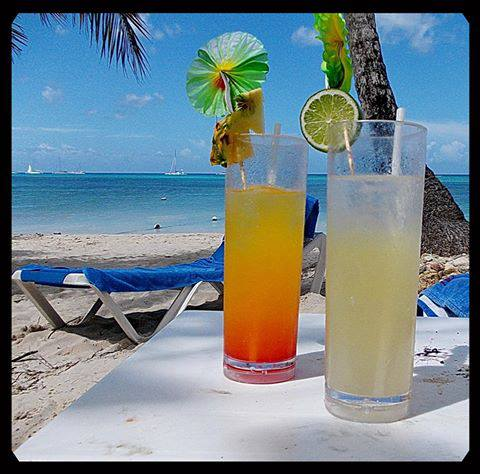 Guest can benefit from the refreshing cocktail of the day at Dreams La Romana Resort & Spa!