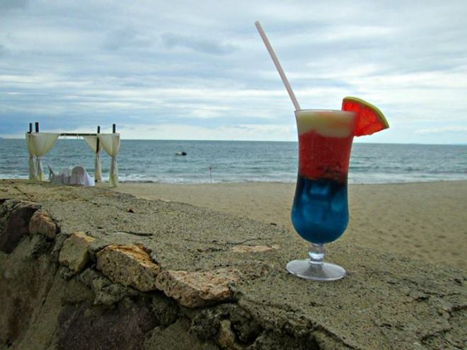 We love this homage to the red, white and blue at Dreams Puerto Vallarta Resort & Spa!