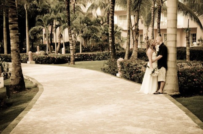 We're loving this antique filter wedding shot taken at Dreams Punta Cana Resort & Spa.