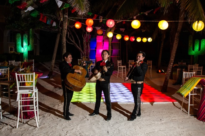 Welcome your guests with with a fun Mariachi band!