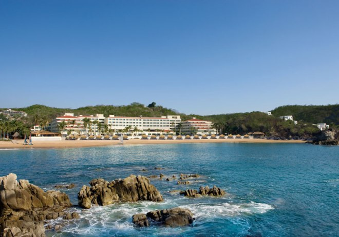 A fabulous panoramic view of Dreams Huatulco.