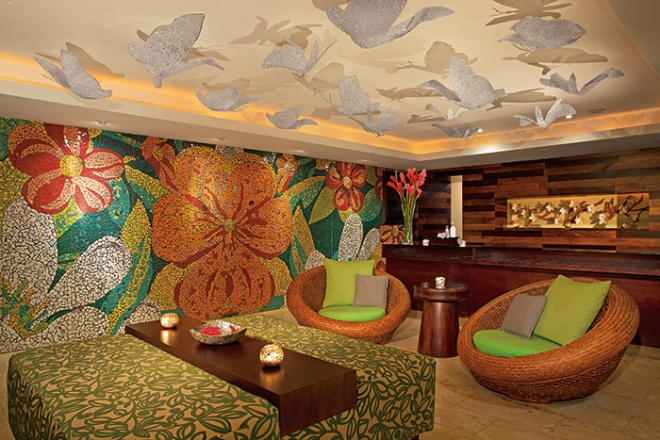 Dreams Spa by Pevonia Lobby (Check out the gorgeous mosaic design!)