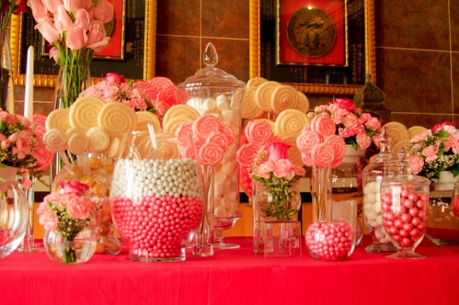 Use your resort credit to have a delicious candy bar...great for all ages.