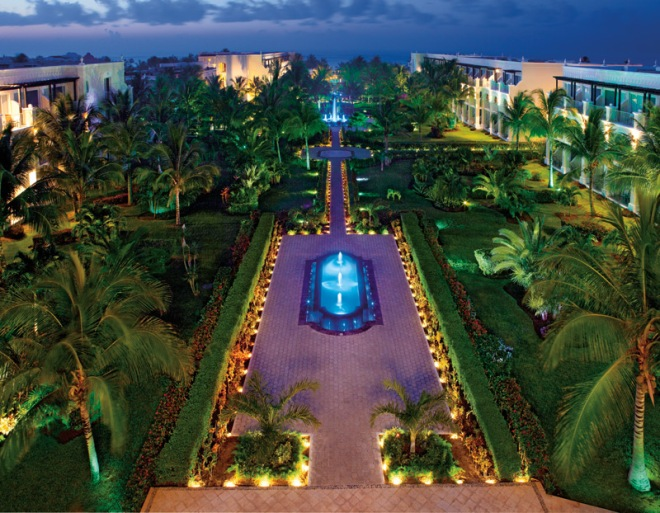 The lush, manicured gardens of Dreams Tulum Resort & Spa are truly spectacular.