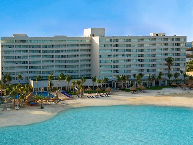 We can't wait to welcome you to Dreams Sands Cancun!