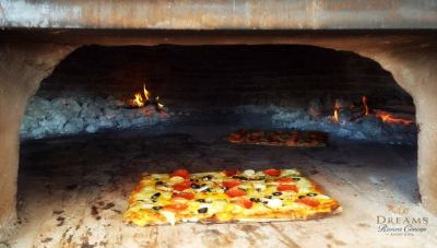 Pizza- stone oven at barefoot grill