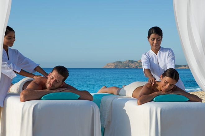 DRELC_SPA_Couples_Massage_Beach_2